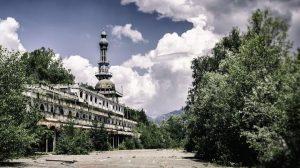 Dulu Kota Consonno Menjadi Pusat Judi Dunia, Sekarang Jadi Kota Hantu
